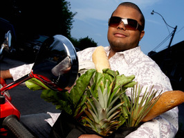 Roger Mooking of Everyday Exotic and Heat Seekers